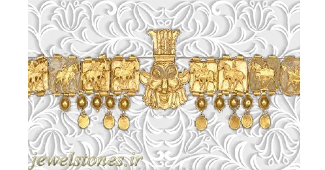گردنبند طلا هخامنشی با سر ایزد مصری